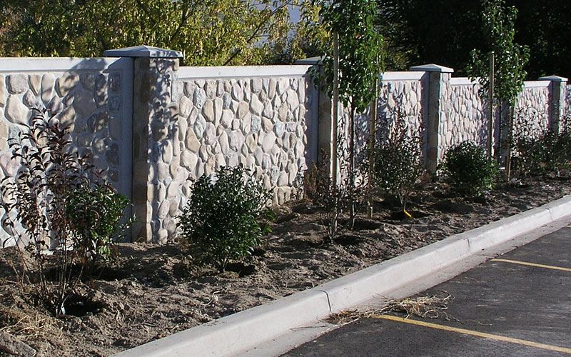 Orlando precast concrete walls fencing vs vinyl and wood for Precast concrete homes florida